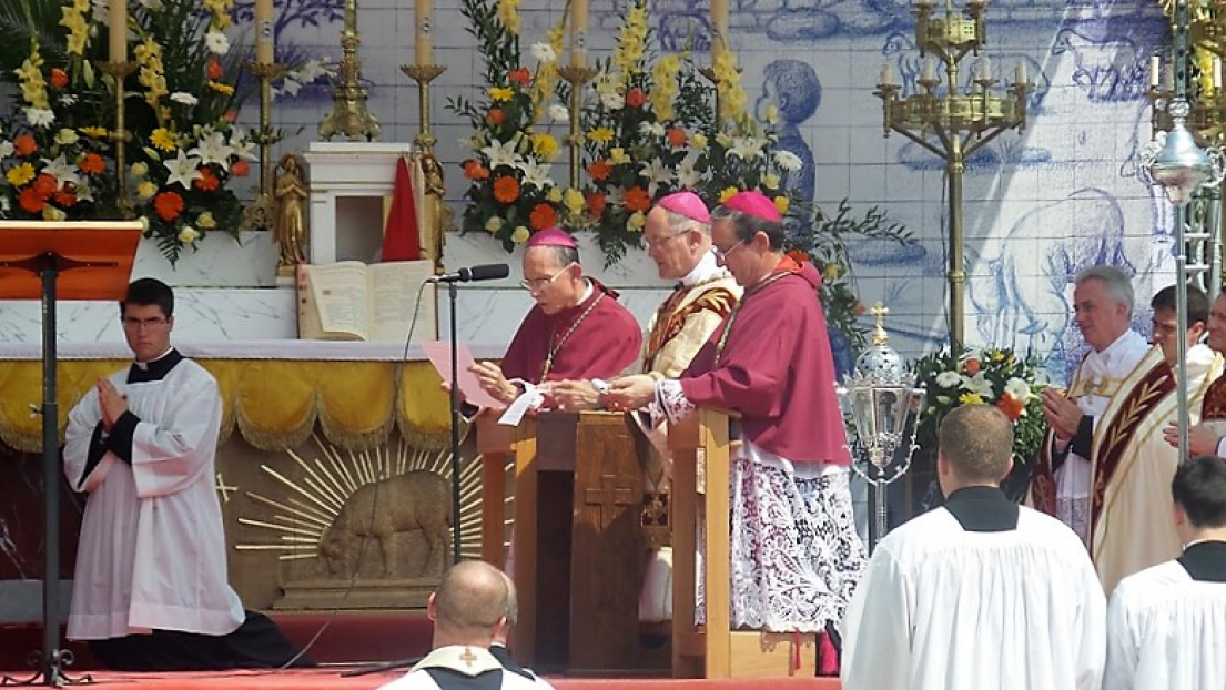 On August 20, the three SSPX Bishops consecrated Russia to the Immaculate Heart of Mary.